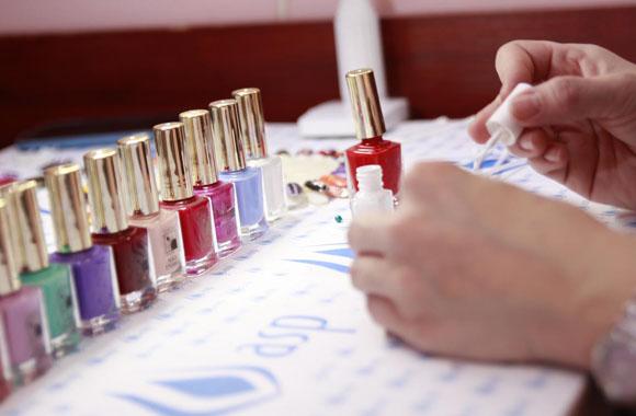 Kurs Manicure i Stylizacja Paznokci